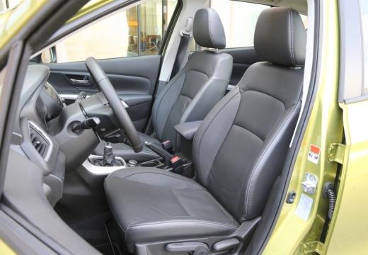 SUZUKI SX4 S-cross I hatchback wnętrze