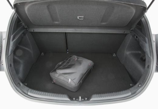 KIA Ceed Proceed IV hatchback przestrzeń załadunkowa