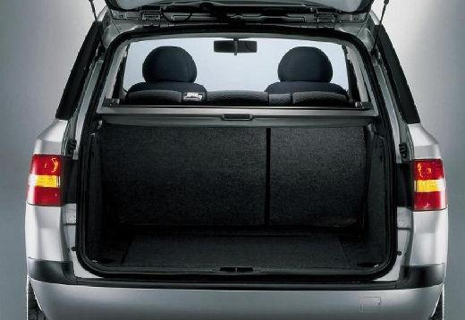 FIAT Stilo kombi silver grey przestrzeń załadunkowa