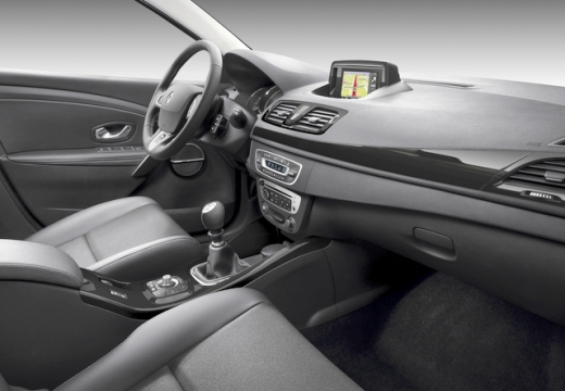 RENAULT Megane 1.2 16V TCE Energy Bose Edition Hatchback III II 130KM (benzyna)