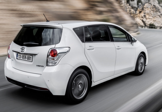 Toyota Verso, универсал, mpv белый задний правый