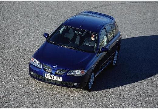 NISSAN Almera II II hatchback niebieski jasny przedni lewy