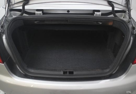 AUDI A4 Cabriolet 8H I kabriolet przestrzeń załadunkowa
