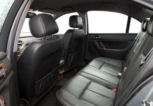 PEUGEOT 607 I sedan wnętrze