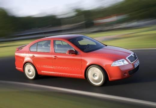 SKODA Octavia II I hatchback czerwony jasny przedni prawy