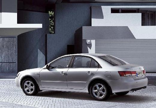 HYUNDAI Sonata VI sedan silver grey tylny lewy