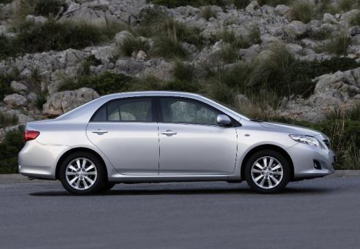 Toyota Corolla I sedan silver grey boczny prawy