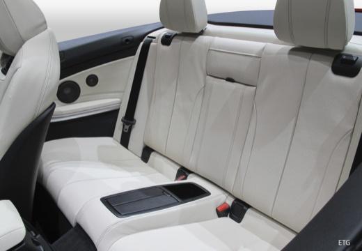 BMW Seria 4 Cabrio F33/F83 kabriolet wnętrze