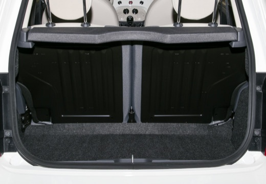 FIAT 500 hatchback biały przestrzeń załadunkowa