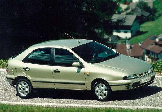 FIAT Brava I hatchback zielony jasny przedni prawy