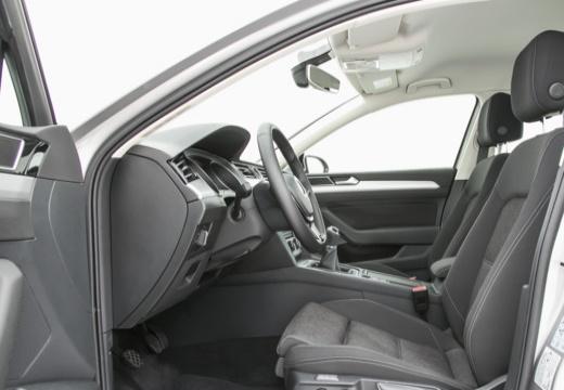 VOLKSWAGEN Passat B8 I sedan silver grey wnętrze