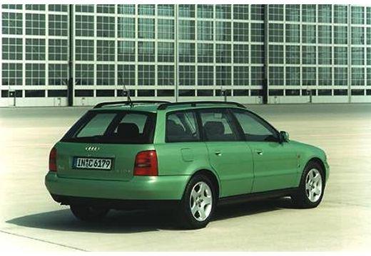 AUDI A4 Avant B5 kombi zielony jasny tylny prawy