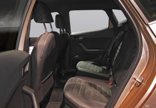 SEAT Arona I hatchback wnętrze