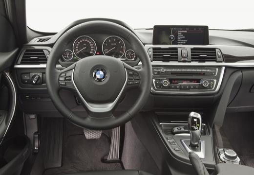 BMW Seria 3 F30 sedan brązowy tablica rozdzielcza