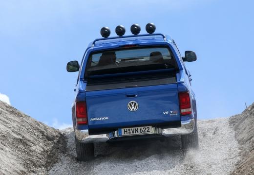 VOLKSWAGEN Amarok II pickup niebieski jasny tylny
