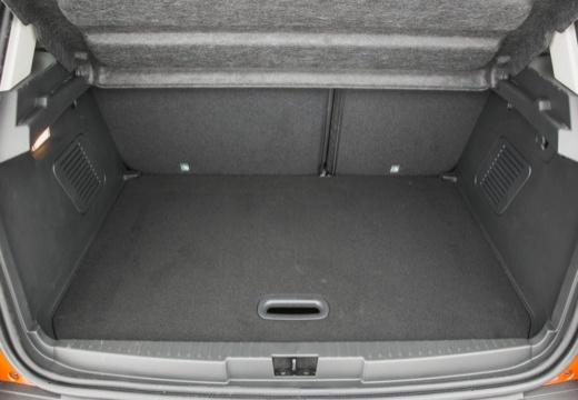 RENAULT Captur I hatchback przestrzeń załadunkowa