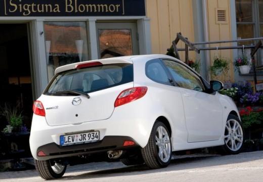 MAZDA 2 II hatchback biały tylny prawy