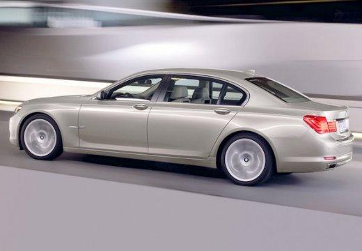 BMW Seria 7 F01 F02 I sedan beige tylny lewy