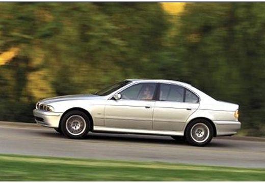 BMW Seria 5 E39 sedan szary ciemny boczny lewy