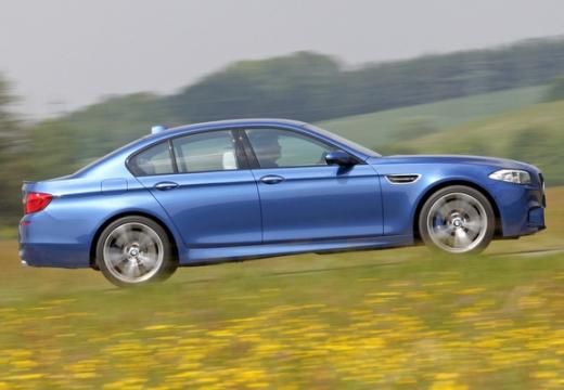 BMW Seria 5 F10 I sedan niebieski jasny boczny prawy