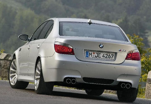 BMW Seria 5 E60 II sedan silver grey tylny lewy