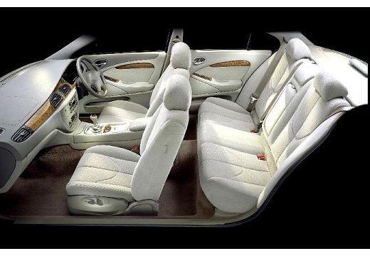JAGUAR S-Type sedan wnętrze