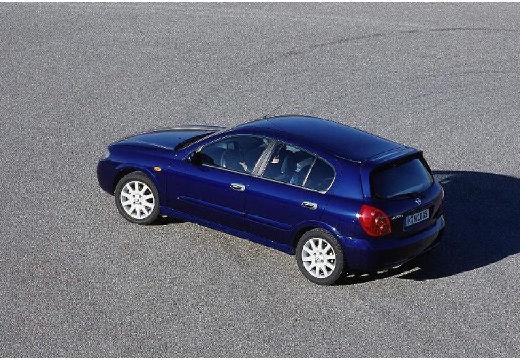 NISSAN Almera II II hatchback niebieski jasny tylny lewy