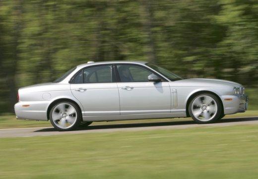 JAGUAR XJ V sedan silver grey boczny prawy