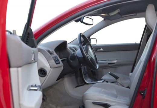 VOLVO V50 kombi czerwony jasny wnętrze