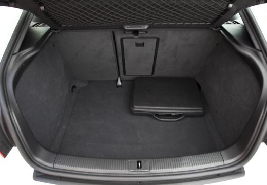 AUDI A3 8P III hatchback przestrzeń załadunkowa