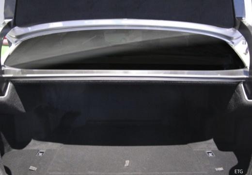 LEXUS LS IV sedan przestrzeń załadunkowa