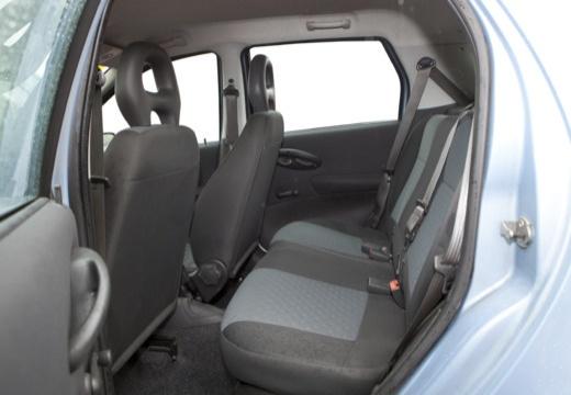 FIAT Punto II II hatchback niebieski jasny wnętrze