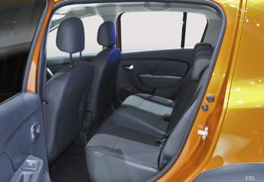 DACIA Sandero hatchback wnętrze