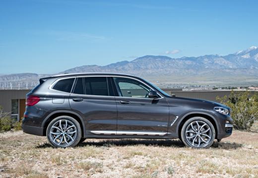 BMW X3 kombi silver grey boczny prawy