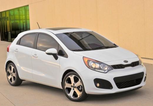 KIA Rio V hatchback biały przedni prawy