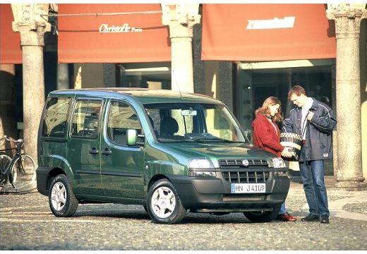 FIAT Doblo II kombi zielony przedni prawy