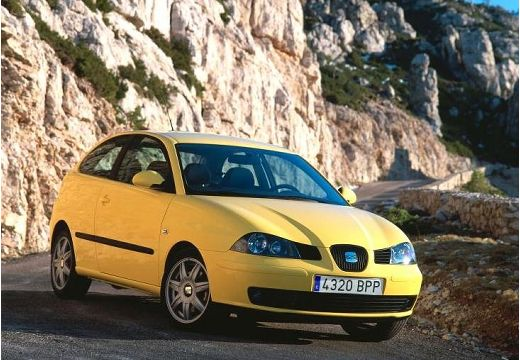 SEAT Ibiza IV hatchback żółty przedni prawy