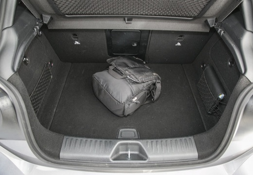 MERCEDES-BENZ Klasa A I hatchback przestrzeń załadunkowa