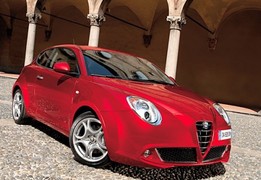 ALFA ROMEO MiTo I hatchback czerwony jasny przedni prawy