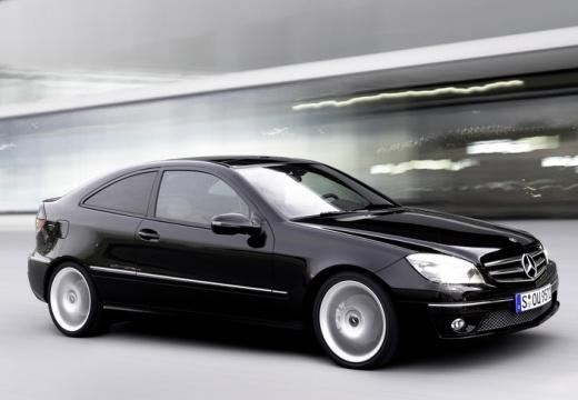 MERCEDES-BENZ Klasa CLC coupe czarny przedni prawy