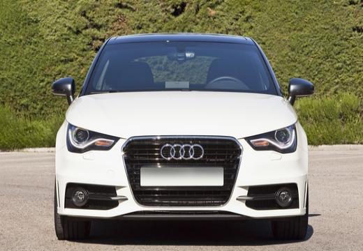 AUDI A1 I hatchback przedni