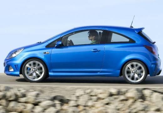OPEL Corsa D I hatchback niebieski jasny boczny prawy