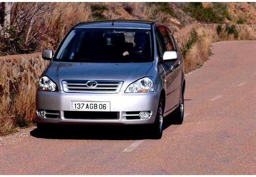 Toyota Avensis Verso I van silver grey przedni lewy