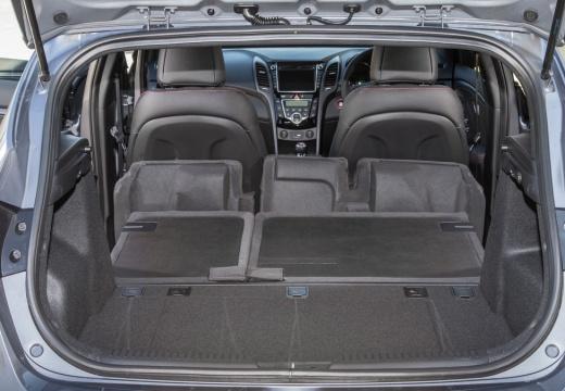 HYUNDAI i30 IV hatchback silver grey przestrzeń załadunkowa