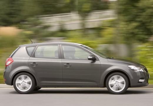 KIA Ceed II hatchback silver grey boczny prawy