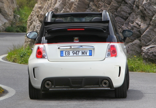 FIAT 500 C I kabriolet biały tylny
