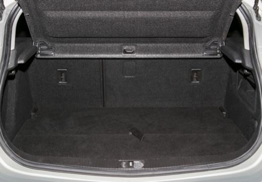 OPEL Astra IV I hatchback silver grey przestrzeń załadunkowa
