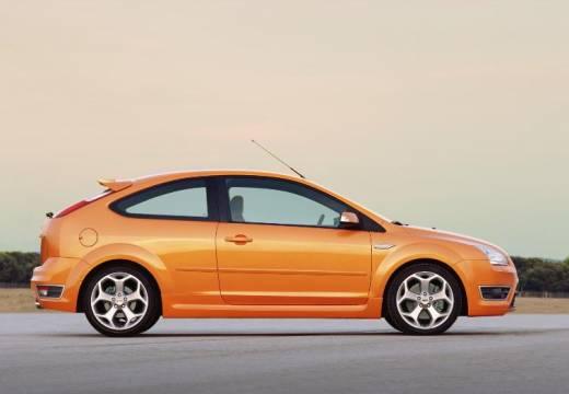 FORD Focus III hatchback pomarańczowy boczny prawy