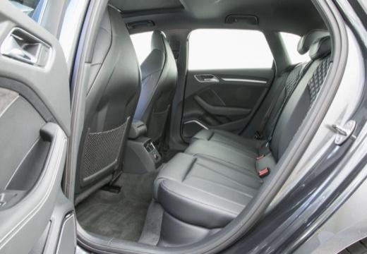 AUDI A3 Sportback 8V I hatchback wnętrze