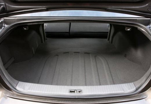 KIA Magentis sedan przestrzeń załadunkowa